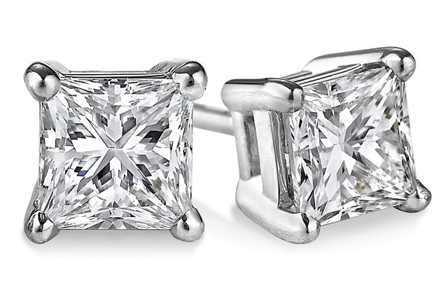 1.00 Carat Princess Cut Diamond Stud Earrings in 18K White Gold