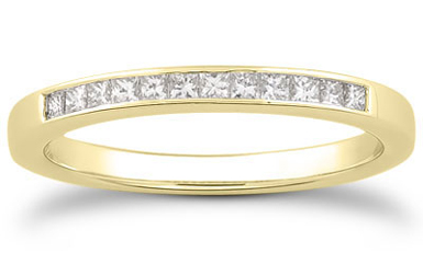 Classic Diamond Wedding Band, 14K Yellow Gold