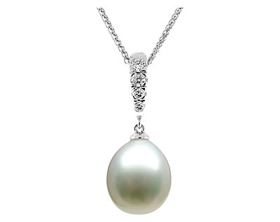 white sea cultured pendant in diamond gold south and pearl pin