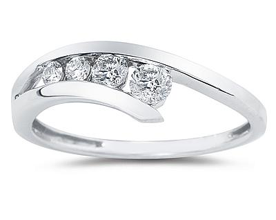 Diamond Journey Ring In 14K White Gold