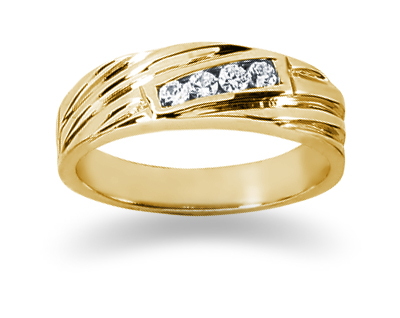 0.12 Carat Women's Diamond Wedding Band in 18K Yellow Gold