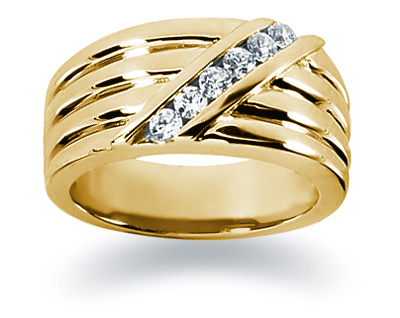 0.24 Carat Women's Diamond Wedding Band in 14K Yellow Gold