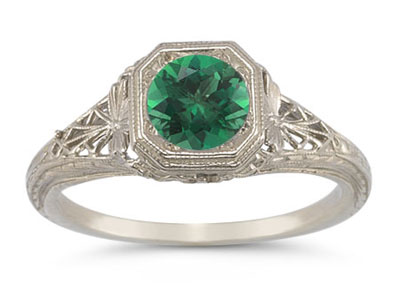 Latticed Vintage-Style Filigree Emerald Ring in 14K White Gold