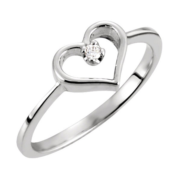Diamond Solitaire Heart Ring in White Gold