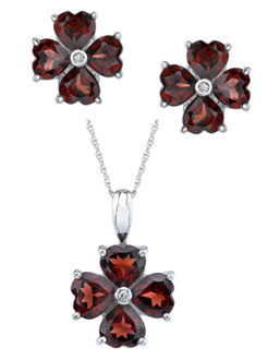 Buy 7.48 Carat Garnet Heart Clover Earring and Pendant Set