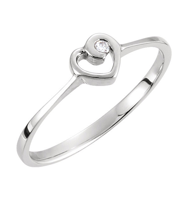 Single Diamond Heart Embrace Ring