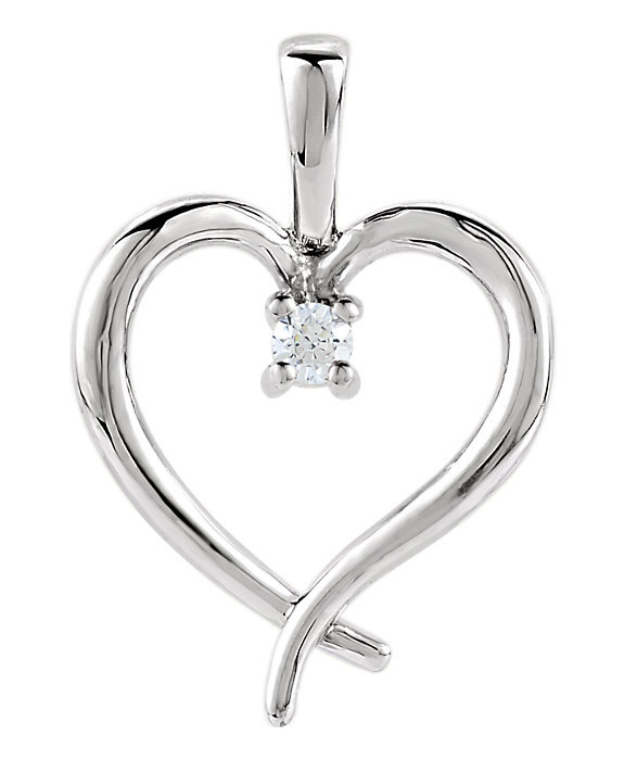 Single Diamond Heart Necklace in White Gold