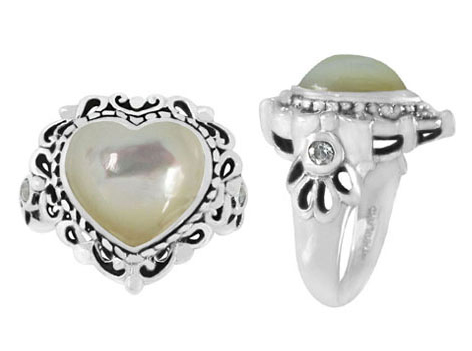 Heart-Shaped Mother of Pearl Ring in Silver