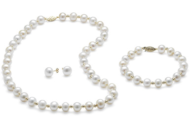 Freshwater Pearl Necklace, Bracelet, and Earring Set