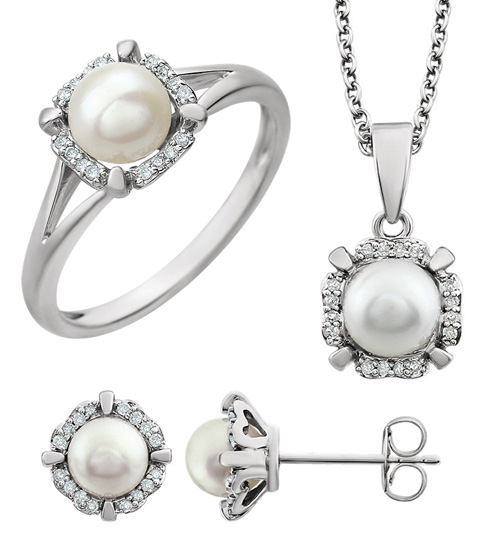 Cultured Freshwater Pearl and Diamond Jewelry Set
