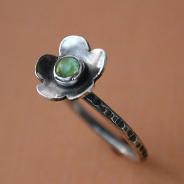 Sterling Silver Peridot Flower Gemstone Ring