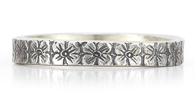 Antique-Style Flower Wedding Band Ring in Sterling Silver