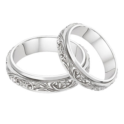 Floral Vineyard Wedding Band Set in 14K White Gold
