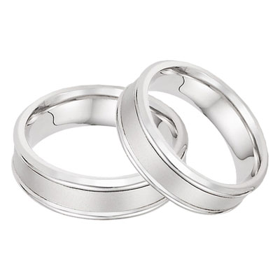 14K White Gold Wedding Band Set with Brushed Center