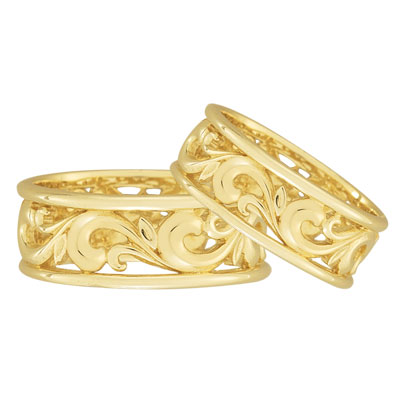 Paisley Carved Wedding Band Set in 14K Yellow Gold