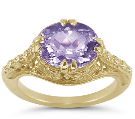 1800s Vintage Filigree Oval Amethyst Ring in 14K Yellow Gold
