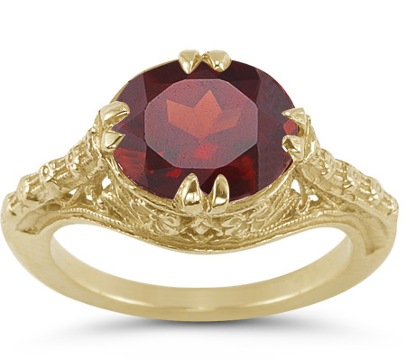 1800s Vintage Red-Rose Garnet Oval Ring in 14K Yellow Gold
