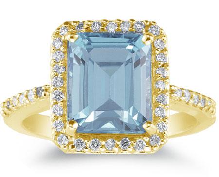 Large 2.70 Carat Emerald-Cut Aquamarine and Diamond Ring, 14K Yellow Gold