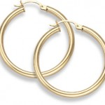 Gold Hoop Earrings: A Jewelry Classic