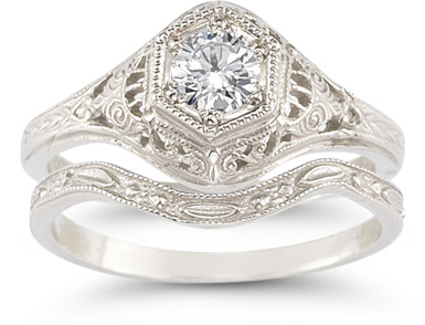 antique-style diamond bridal wedding ring set