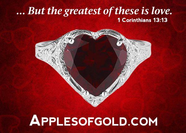 Vintage-Style Garnet-Shaped Heart Ring in Sterling Silver