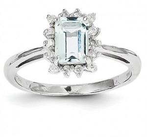 emerald-cut-aquamarine-diamond-ring