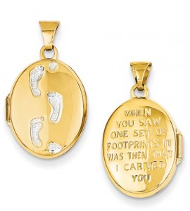 footprints-in-the-sand-locket