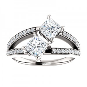 only-us-princess-cut-two-stone-ring-122934D3C
