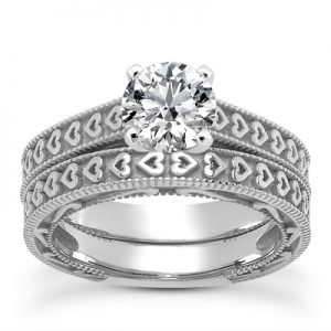 engraved-heart-diamond-bridal-ring-set-white-gold-ens3612wsetc