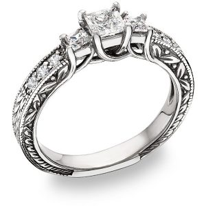 three-stone-princess-cut-diamond-engagement-ring
