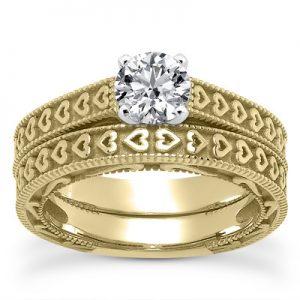 engraved-heart-diamond-bridal-ring-set-yellow-gold-ens3612ysetc
