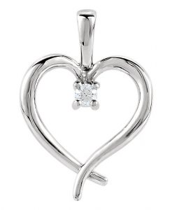 single-diamond-heart-necklace-white-gold
