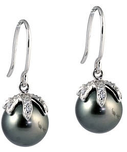 black-pearl-earrings