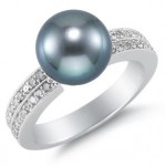 Show Your Love With Tahitian Black Pearls