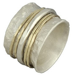 david-tishbi-hammered-spinner-ring