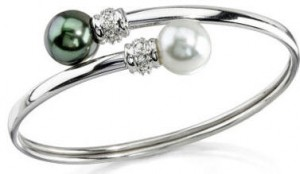 White Gold and diamond south sea pearl bangle