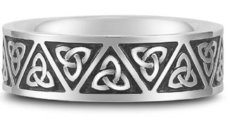Celtic wedding band triquetra